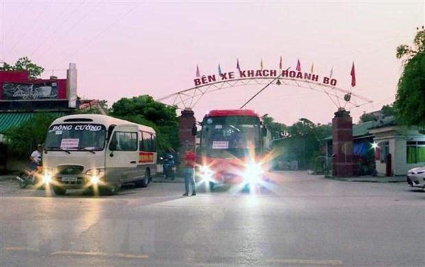 Quang Ninh: Khai truong tuyen xe buyt cho giao vien o hai xa vung cao hinh anh 1