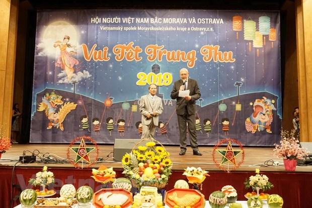 Thu tuong Sec gui thu chuc mung thieu nhi nguoi Viet dip Trung Thu hinh anh 1