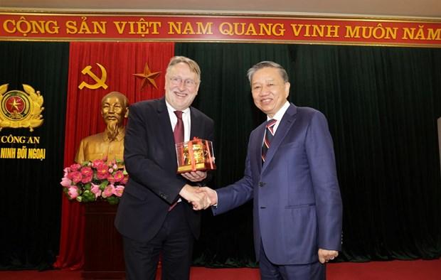 Mo ra giai doan moi trong hop tac kinh te giua Viet Nam va EU hinh anh 1
