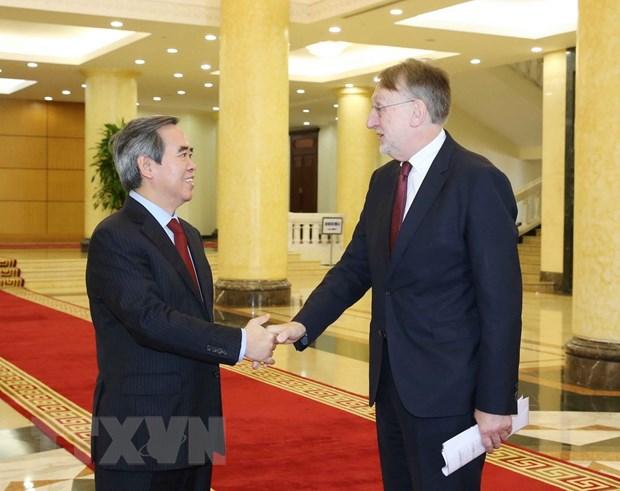 Viet Nam coi EU la mot trong nhung doi tac quan trong hang dau hinh anh 1
