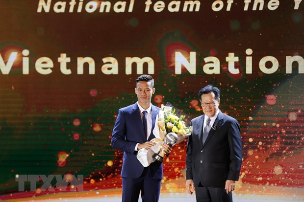 AFF Awards 2019: Bong da Viet Nam thang lon, gianh 3 giai quan trong hinh anh 1