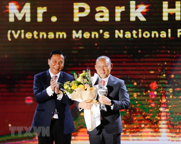 AFF Awards 2019: Bong da Viet Nam thang lon, gianh 3 giai quan trong hinh anh 2