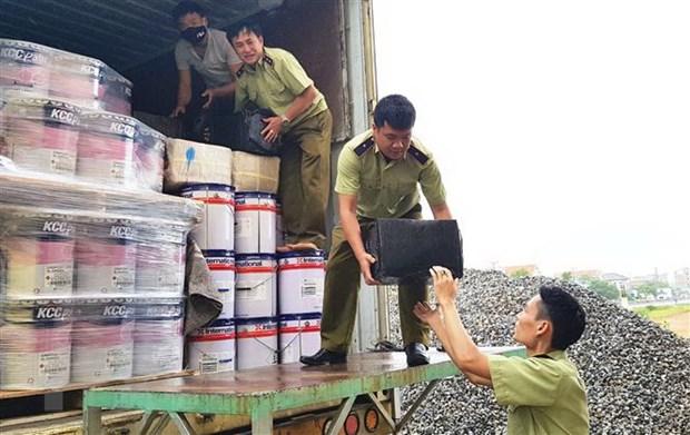 Binh Thuan: Bat xe container cho gan 800 chai ruou ngoai nhap lau hinh anh 1
