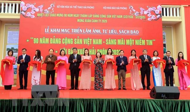 Trien lam anh, tu lieu ve Dang va khai mac Hoi bao Xuan Hai Phong 2020 hinh anh 1