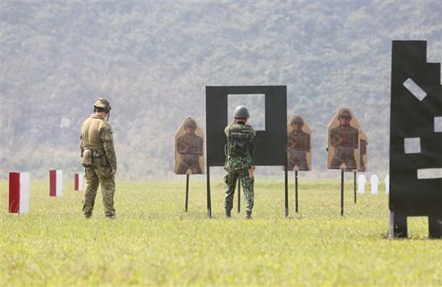 Viet Nam-Australia tap huan, trao doi ky nang ban sung quan dung hinh anh 1