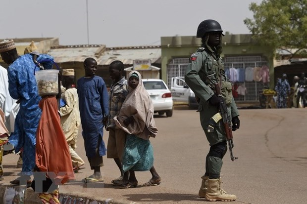 Nigeria: Cuop co vu trang tan cong cac ngoi lang, giet hai 47 nguoi hinh anh 1