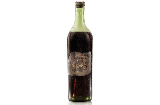 Chai ruou Cognac san xuat nam 1762 co gia gan 150.000 USD hinh anh 1