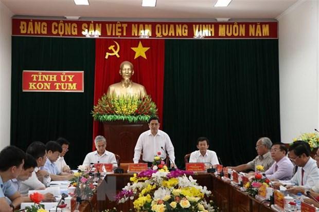 Ong Pham Minh Chinh lam viec voi Ban Thuong vu Tinh uy Kon Tum hinh anh 1