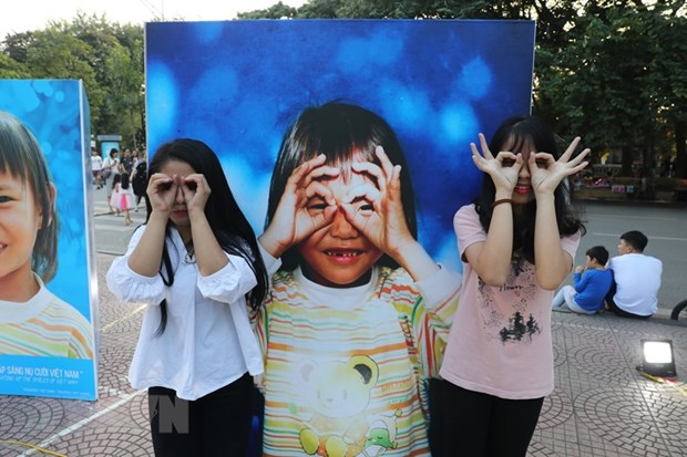 'Tieng noi tre em Viet Nam': Nhieu tre chung kien tinh trang bao luc hinh anh 1