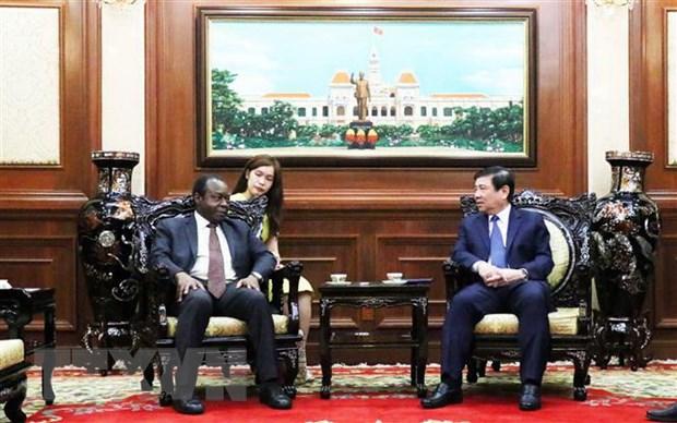 Thanh pho Ho Chi Minh san sang day manh hop tac voi Angola va Armenia hinh anh 1