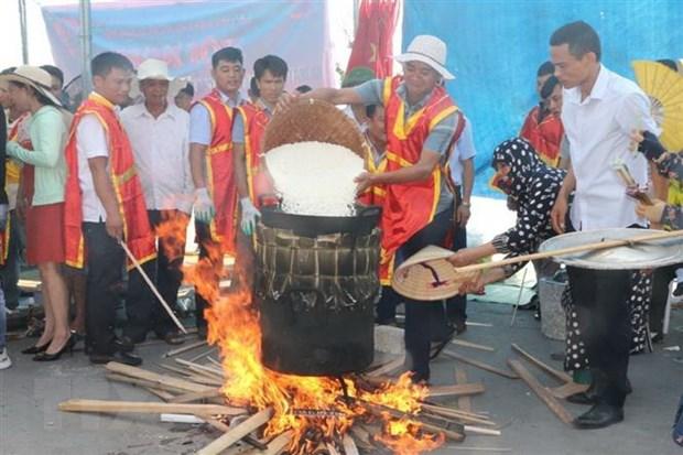 Soi noi Le hoi Banh chung-Banh giay o vung bien Sam Son hinh anh 1