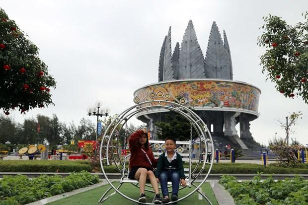 Quang Ninh: Don nhan giai thuong du lich ben vung thanh thi ASEAN hinh anh 1