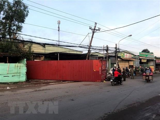 Binh Duong: Container vang xuong duong de chet mot phu nu hinh anh 1