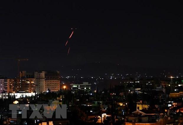 Israel tien hanh khong kich cac muc tieu quan su cua Syria hinh anh 1
