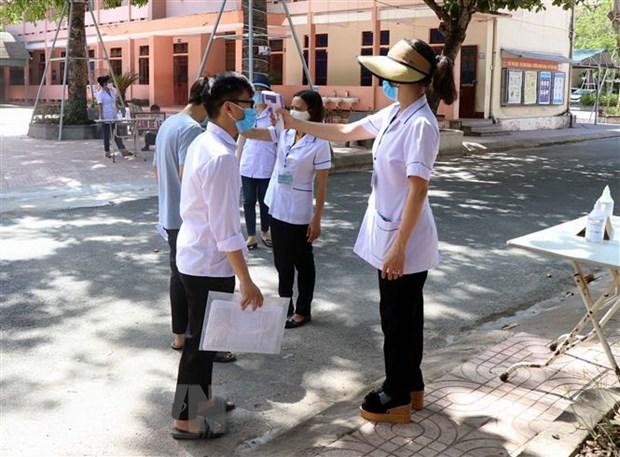 352 thi sinh o Quang Ngai dung thi do lien quan den benh nhan COVID-19 hinh anh 1