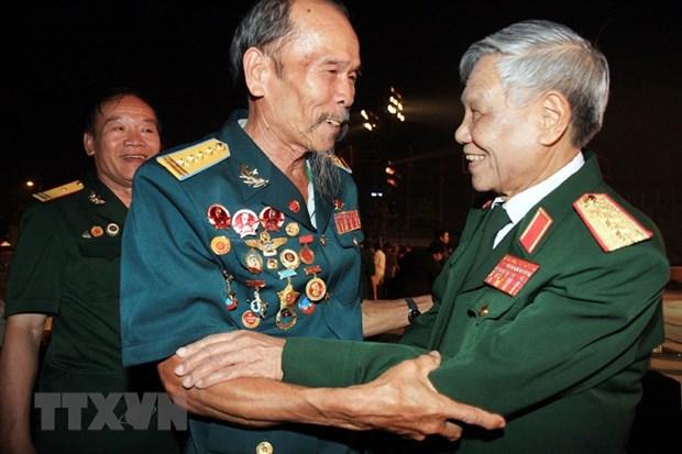 Thuong tuong Le Kha Phieu - nha chinh tri quan su nhin xa trong rong hinh anh 2