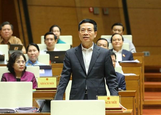 Bo truong Nguyen Manh Hung: Viet Nam khong trien khai cham mang 5G hinh anh 1