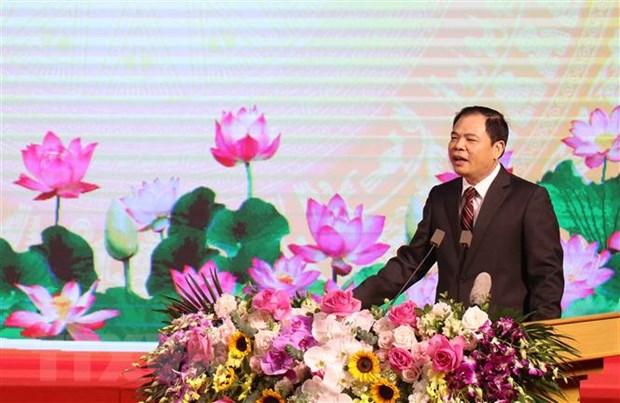 Hung Yen: Bieu duong kip thoi nguoi truc tiep lao dong san xuat hinh anh 2