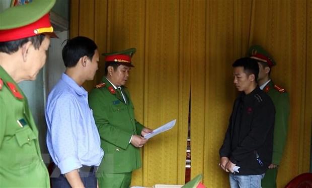 Quang Binh: Khoi to doi tuong chiem doat hang cuu tro lut bao hinh anh 1