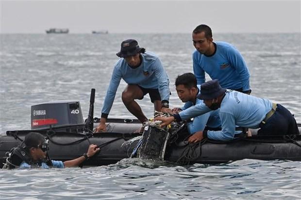Viet Nam chia buon voi Indonesia ve vu may bay Sriwijaya Air gap nan hinh anh 1