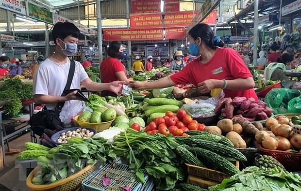 Thanh pho Ho Chi Minh: Cho ban le bat dau nhon nhip, hang hoa da dang hinh anh 1