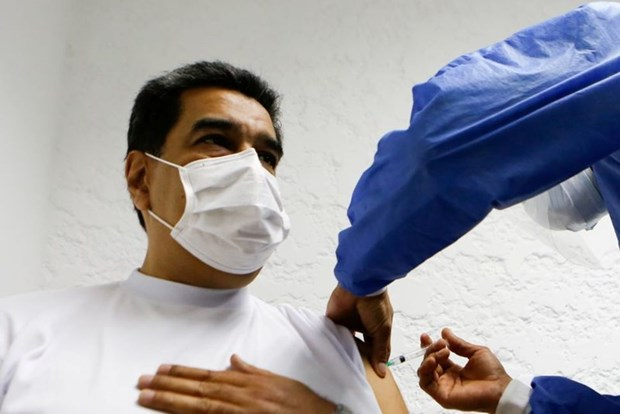 Tong thong Venezuela duoc tiem lieu vacxin Sputnik V dau tien hinh anh 1