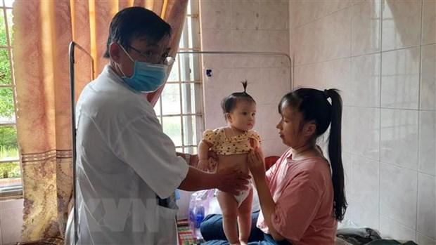 Binh Dinh: Hang tram nguoi dan bi ngo doc chua ro nguyen nhan hinh anh 1