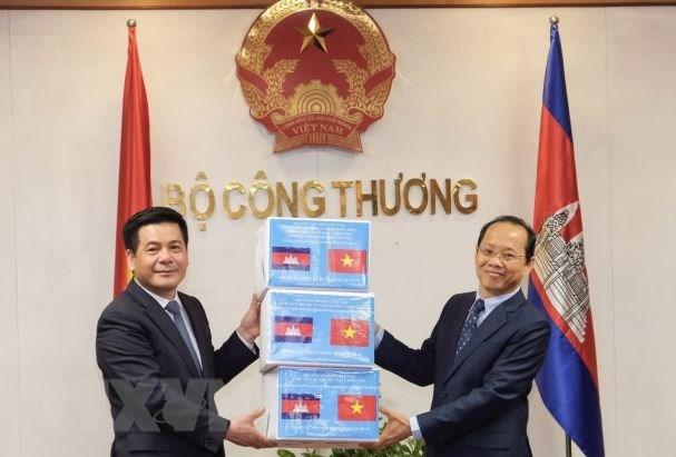 Viet Nam-Campuchia thuc day quan he thuong mai, cong nghiep hinh anh 1