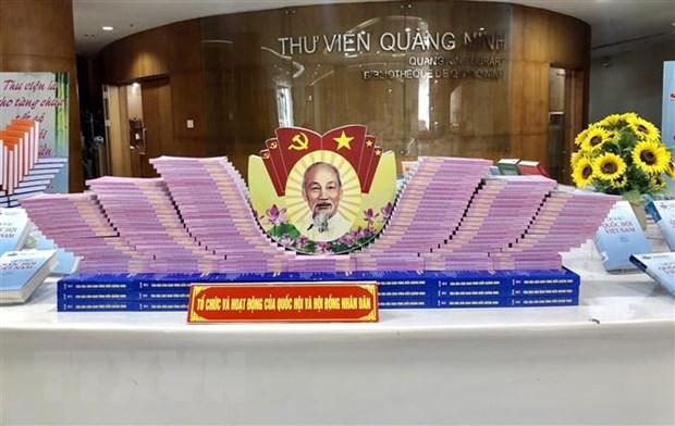 Quang Ninh trung bay tren 3.000 an pham sach, bao ve bau cu hinh anh 1