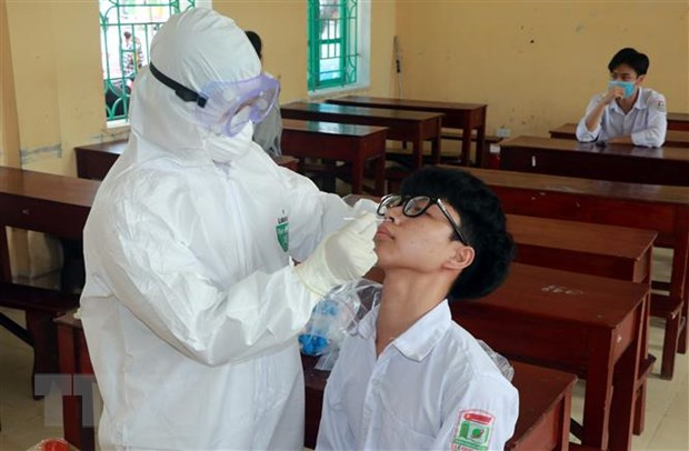 Mot hoc sinh duong tinh voi SARS-CoV-2, Nam Dinh xet nghiem dien rong hinh anh 1