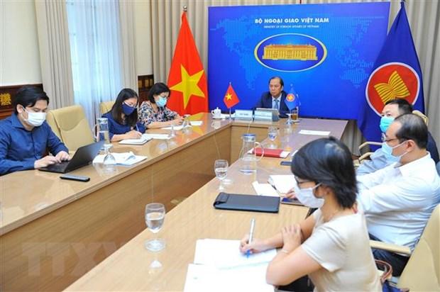 Thu truong Nguyen Quoc Dung: Som hoan tat Khung hanh lang di lai ASEAN hinh anh 2