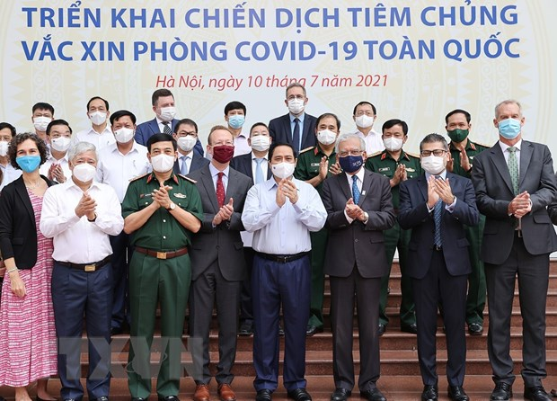 Thu tuong: Nhieu nguoi muon uu tien vaccine cho noi dich benh phuc tap hinh anh 1