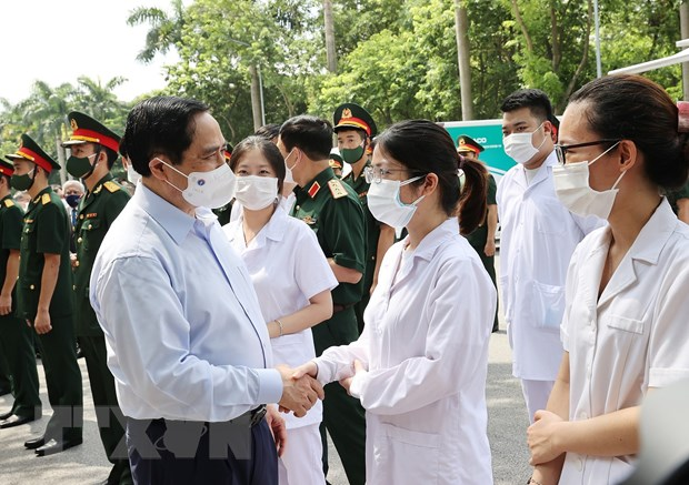 Thu tuong: Nhieu nguoi muon uu tien vaccine cho noi dich benh phuc tap hinh anh 2