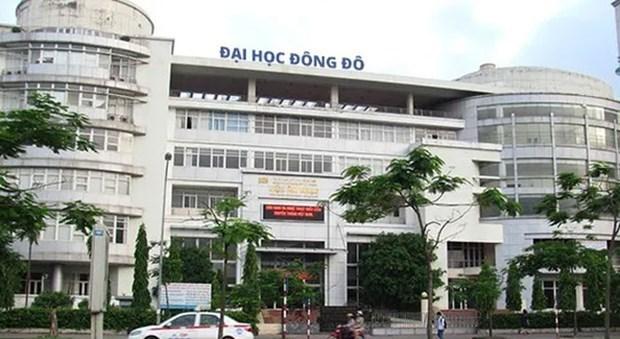 Truy to 10 bi can trong vu cap bang gia tai Truong Dai hoc Dong Do hinh anh 1