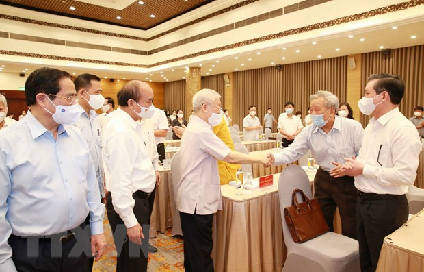 Tong Bi thu: Phan dau thuc hien thang loi toan dien Nghi quyet DH XIII hinh anh 2