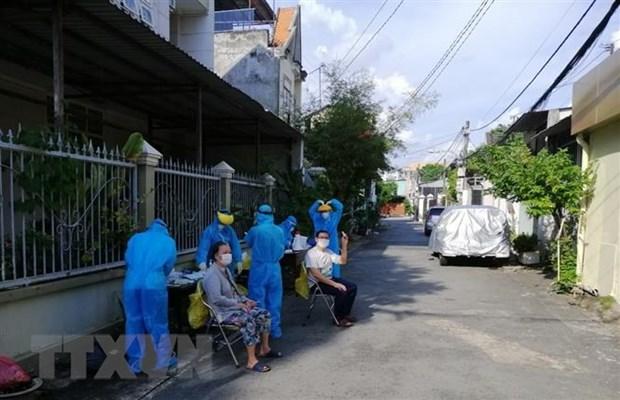 Binh Duong: Loi la phong dich, Bi thu va Chu tich phuong bi dinh chi hinh anh 1