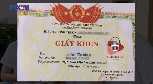[Audio] Bo giay khen hoc sinh tien tien giup giam 'benh thanh tich'? hinh anh 1