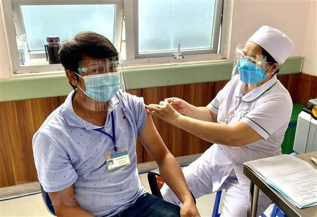An Giang, Kien Giang day manh tiem vaccine phong dich COVID-19 hinh anh 1