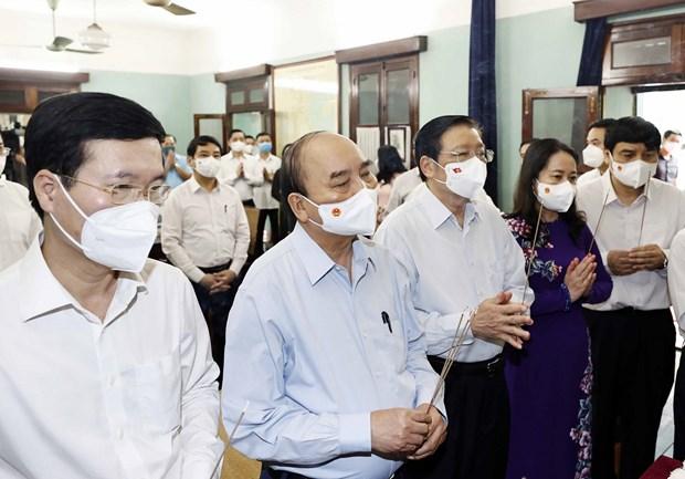 Chu tich nuoc dang huong tuong niem Chu tich Ho Chi Minh hinh anh 1