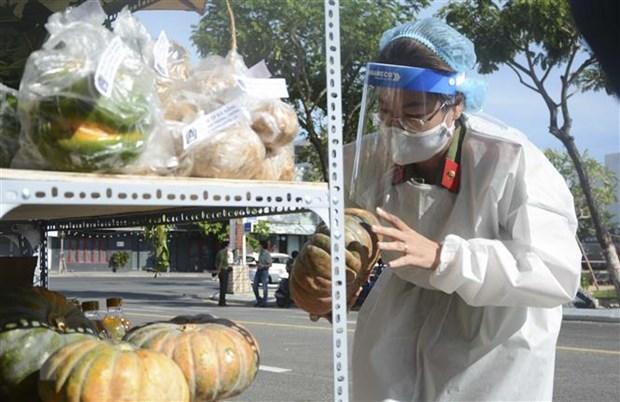 Cong an Da Nang trien khai 30 diem ban hang tren container tai 4 quan hinh anh 1