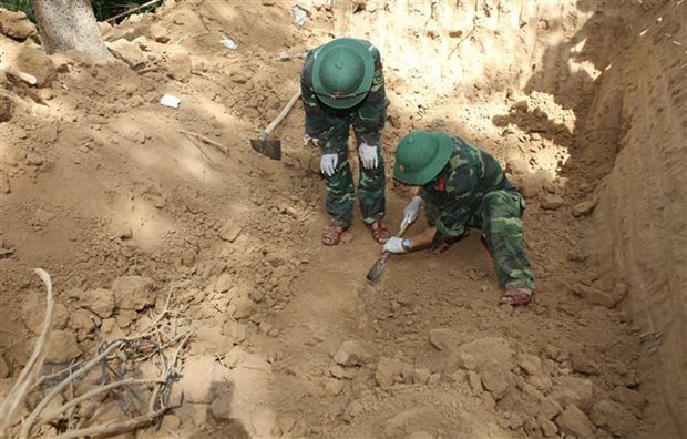 Quang Tri: San dat lam nha, phat hien 4 bo hai cot liet sy o Vinh Linh hinh anh 1