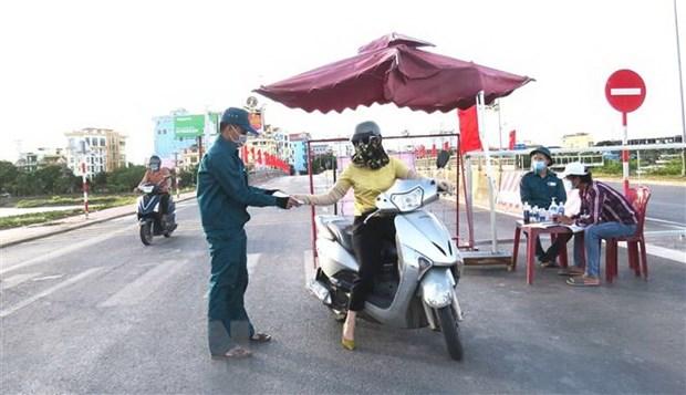 So ca mac moi giam, Quang Binh chuyen trang thai gian cach xa hoi hinh anh 1