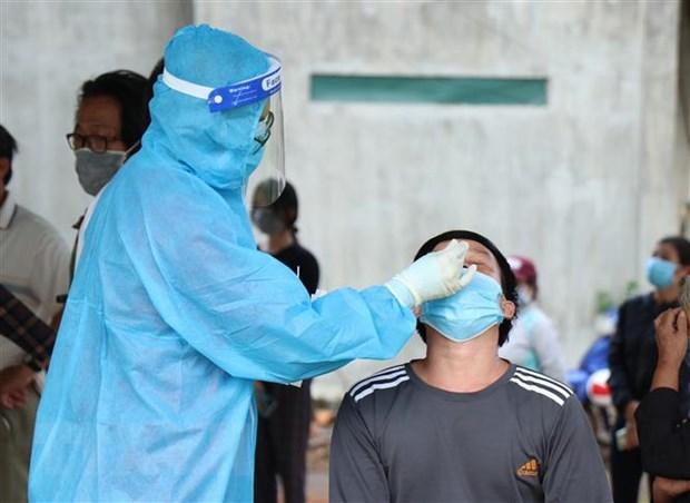 Lam Dong: Nguoi lao dong tiem 2 mui vaccine thi khong phai xet nghiem hinh anh 1