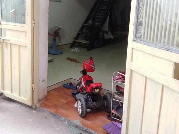 Ha Noi: Truy bat doi tuong dung sung ban gia dinh nha vo hinh anh 1