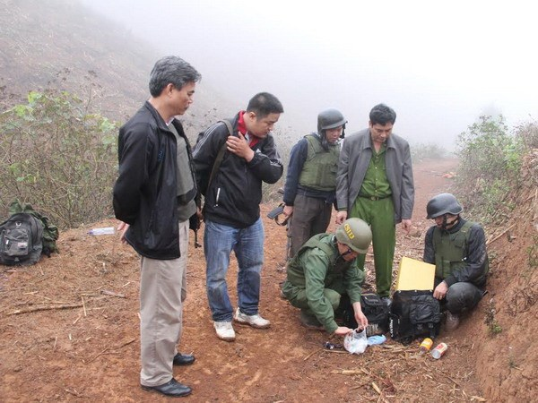 Khen thuong nong vu pha 40 banh ma tuy tu Lao vao Viet Nam hinh anh 1
