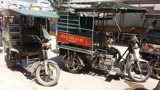Ha Noi: Xu ly hang loat xe ba banh tu che hoanh hanh tren pho hinh anh 1