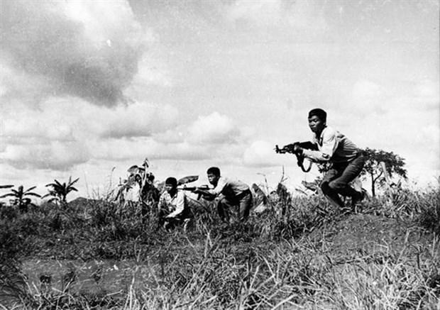 'Neu bo doi Viet Nam khong len kip, dan da chet het roi' hinh anh 6