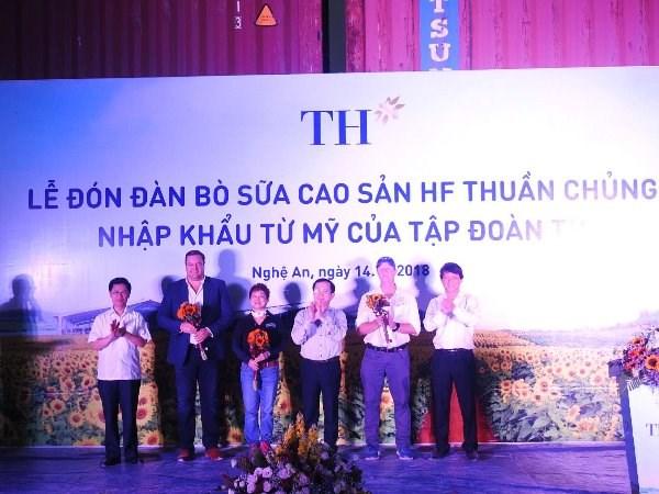 "Nhap khau 1.800 con bo My, Tap doan TH ""nang hang"" dan bo Viet Nam hinh anh 5"
