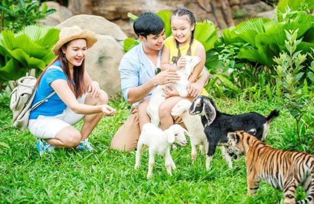 "Don Giang sinh theo phong cach chau Phi o ""xu so than tien"" Phu Quoc hinh anh 5"