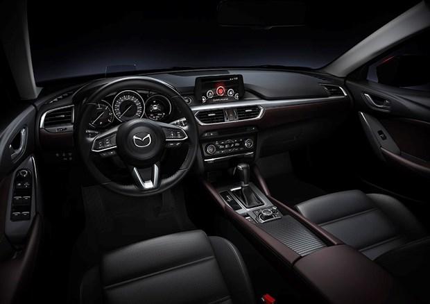 Thaco uu dai lon cho khach hang mua xe Mazda trong thang 7 hinh anh 3